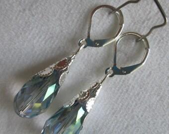 Vintage earrings, wedding earrings, bridesmaid earrings, glass briolette earrings, silver earring, filigree cone cap earrings
