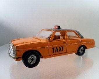 Vintage 1975 Corgi Toys Mercedes 240 D Orange Taxi. Diecast Car 1/36 Scale. No. 411
