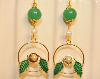 Handmade Vintage Green and Pearl Circle Leaf Earrings