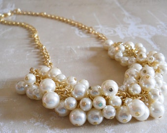 Gold Bridal Necklace Chunky Pearl Necklace Gold Wedding Jewelry Chunky Pearl Necklace Ivory Wedding Necklace Pearl Cluster Necklace Wedding