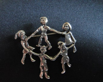 Children Dancing 925 Mex on back of pendant