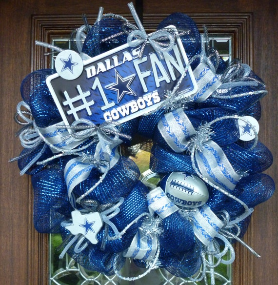 Deco Mesh DALLAS COWBOYS WREATH