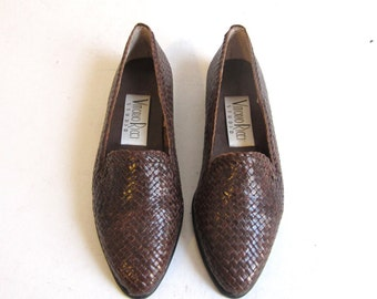 woven brown leather flats / vintage oxfords 6.5