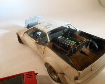 BMW 1/24 scale super car scale model in white