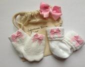 NEWBORN SOCKS & MITTENS, newborn girl socks, newborn girl mittens, newborn socks with bow, no scratch mittens, baby socks, baby mittens