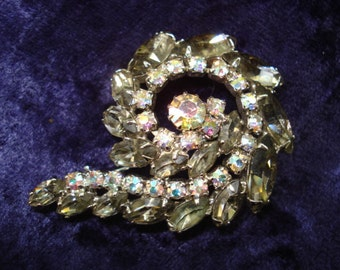 BEAUTIFUL VINTAGE BROOCH Unique Shape Smoky Topaz Color and Iridescent Austrian Crystal