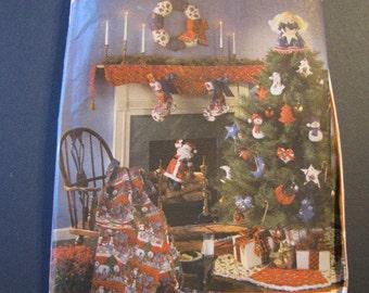 Simplicity 9327, Christmas Decor, tree skirt. ornaments