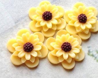 19 mm Yellow Colour Daisy Chrysanthemum Resin Flower Cabochons (.as)
