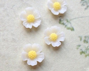 6 Pieces  of 11 mm Milky White Colour Little Resin Flower Cabochons  (.sm)