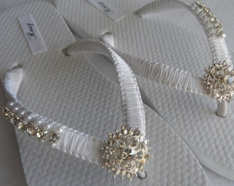 White Wedding Flip Flops / Bridal Pearls Sandals / White Color Bridesmaid Shoes / Rhinestone & Pearls Flip Flops..