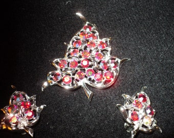Vintage SARAH COVENTRY STAMPED Costume Jewelry Set  of Matching Earrings and Brooch in Red Rhinestone Crystals in a Leaf Motif Design