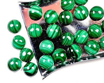 Malachite cabochon - 8 x 8 mm round smooth AAA quality - flat back for jewelry making