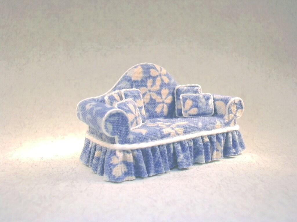 1 4 Scale Blue Floral Sofa
