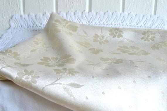Silky tablecloth elegant floral pattern creme vintage