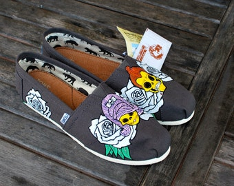 Ash Grey Sugar Skull TOMS - Customizable
