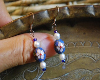 VINTAGE EARRINGS - Sterling Silver Dangle Porcelain Pearl Earrings