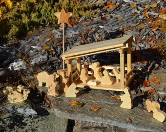 Nativity Scene with Stable and 15 Figures