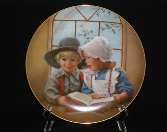 """Sandra Kuck Ltd. Edition Plate """"LITTLE TUDOR"""" - Days Gone By 5th Issue 1983 Discontinued Series Numbered 1921HA"""