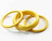 1930s bakelite bangles cream corn yellow chunky and flat sided stack set trio