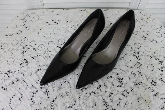 https://www.etsy.com/listing/160958835/vintage-black-pointed-toe-heels-1990s?ga_order=most_relevant&ga_search_type=all&ga_view_type=gallery&ga_search_query=v2%20v2team%20halloween&ref=sr_gallery_18