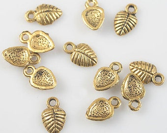 8 Leaves Charms, Antique Gold Tone Metal 10 x 6 mm -  cc034