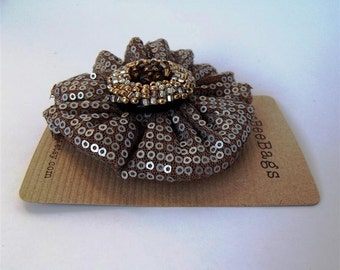 Matt sequin hair accessory with crocodile clip