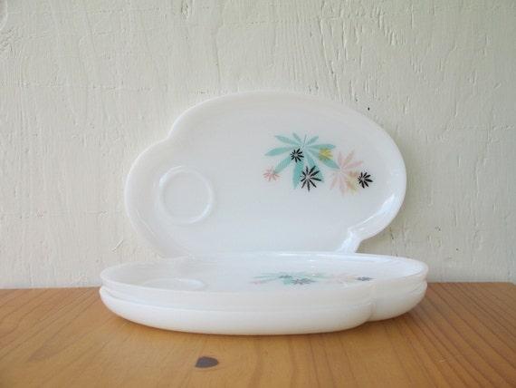 Federal Atomic Flower Three (3) Patio Snack Trays Opaque Milk White Glass Vintage 1950s