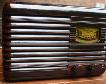 1938 Sentinel AM farm radio