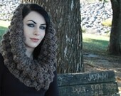Chunky Bobble Cowl in Taupe, Chunky Cowl in Taupe, Chunky Loop Scarf, Chunky Infinity Scarf, Bobble Cowl in Taupe, Chunky Infinity Loop