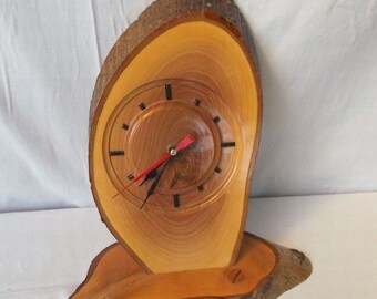 Vintage desktop clock Wood and quartz Walnut-tree home decor