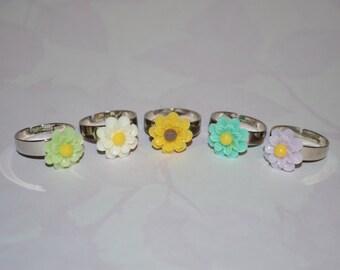 Cutie Tiny Daisy Flower Ring