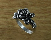Rose Ring, Rose and Petal Ring, 925 Sterling Silver Rose Ring, One Rose Ring, Pretty Thick Rose Ring, Ring for women, 925 women ring