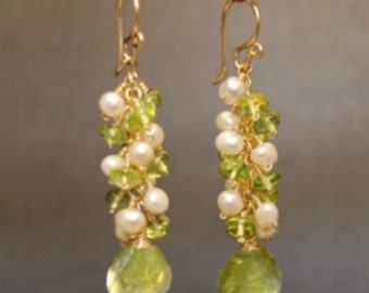 Clusters of ivory pearls, peridot, and idocrase Princess 190