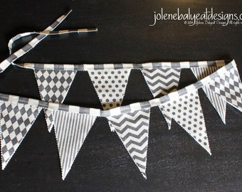 Bunting Flags on Linen Cotton Canvas - 47 inches - 2 Sided