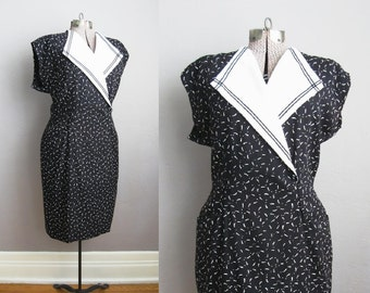 1980s Vintage Dress Sailor Collar Black White Dress 80s Secretary Short Sleeves / Large