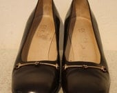 GUCCI Vintage Brown Leather Pump with Gold Hardware and Square Heel Sz 8