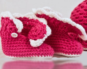 Handmade Baby girl Crochet boots, girly boots, baby booties, baby shoes, newborn-12 months
