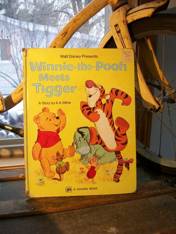 Walt Disney Presents - Winnie-The-Pooh Meets Tigger - 1978 -  Story by A. A. Milne - A Golden Book