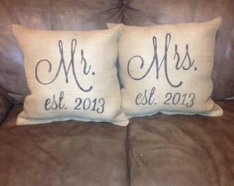 Mr and mrs burlap pillow set, rustic wedding, throw pillow,