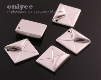 2pcs-14mmX11mmMatt Rhodium plated Brass 3D folded paper  letterorigami Charms,pendants(K610S)