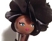 Wine stopper: lady with a grey hat