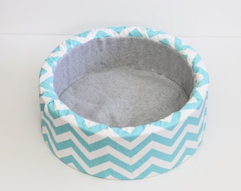 "14"" Modern, Self Warming Cat Bed in Blue and White Chevron"