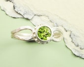 Peridot Ring, Birthstone Ring, August Birthstone Ring, Bright Green Peridot, Silver Ring and Peridot Ring, Faceted Peridot, August - BOBOJewelryShop