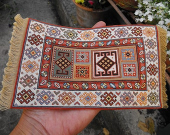 Oriental Rug KIT one inch scale for your dolls house