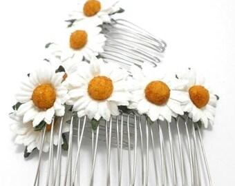 White Daisy Floral Hair Comb/ Barn Wedding/ Bridal/ Wedding Hair Accessories/ Bridesmaid Hair Fascinator