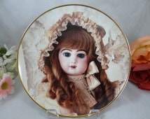 """1991 Franklin Mint Heirloom Recommendation  -Hanau Doll Museum """"Colette"""" - Limited Edition Collector Plate"""
