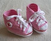 Pink baby chucks,Punk rock booties,crochet baby booties,pink baby booties,baby shower gift,american baby shower,christening gift,photo prop