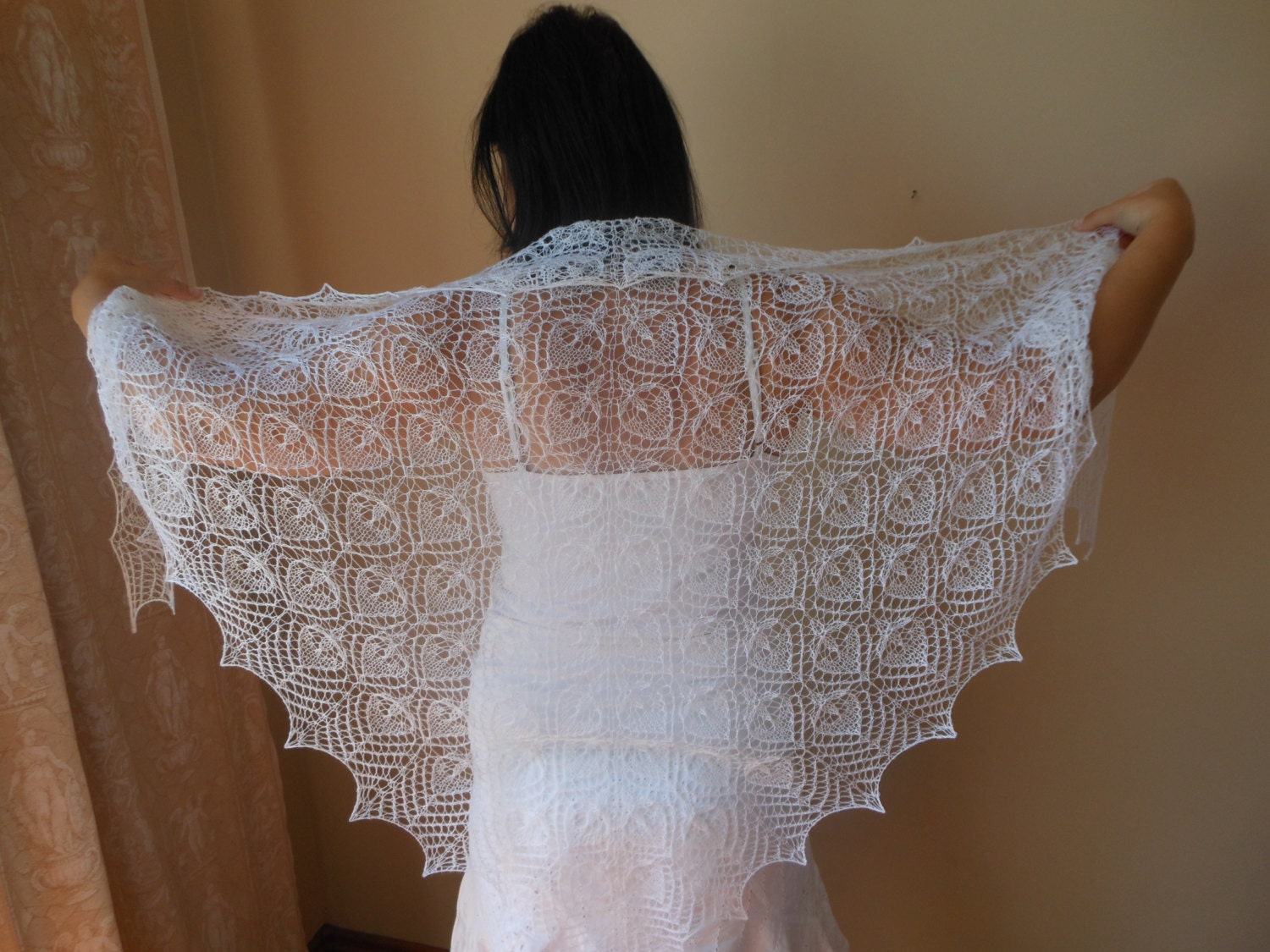 Mar 29, · Her ghost, clad in a cap and lace shawl, has reportedly been seen heading towards the East Room, arms outstretched as if carrying laundry. During her visit to the White .