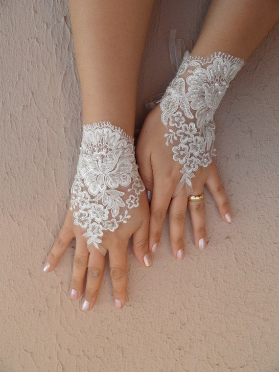 ivory Wedding Gloves, ivory lace gloves, collar, Fingerless Gloves bridal gloves, FREE SHIP