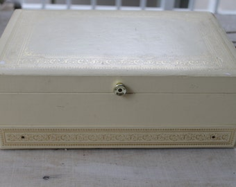 Ivory Vintage Mele Jewelry Box